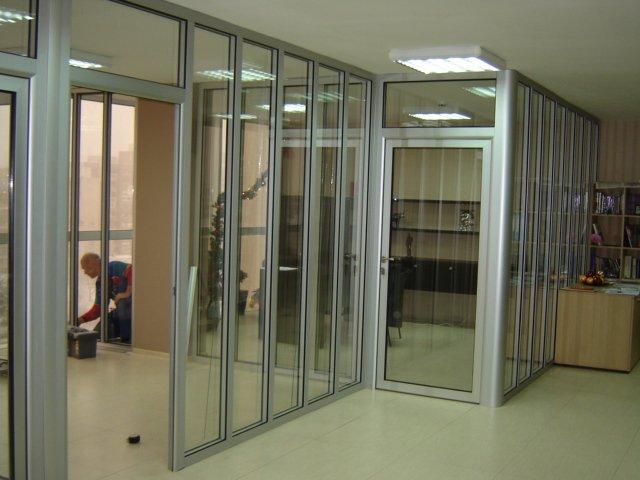 Вътрешни алуминиеви преградни стени система Alumil P100