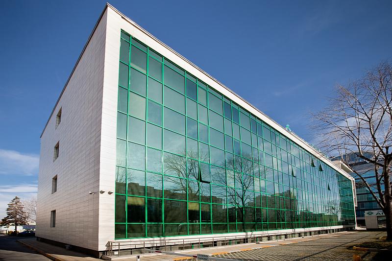 Капачкова окачена фасада Exalco 130